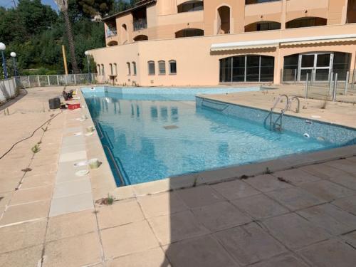 Recherche de fuites sur piscine de Co-propriété